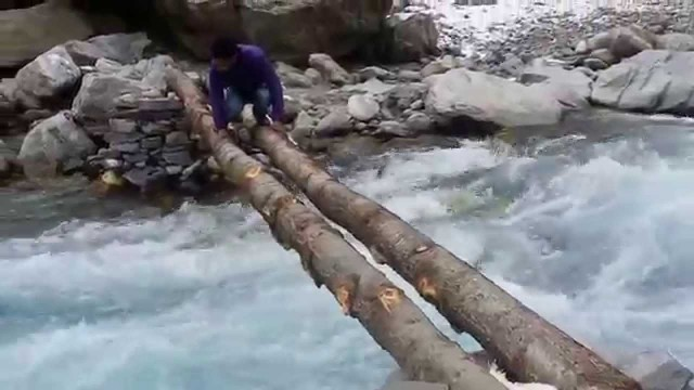 Crossing Alaknanda River Near Hanuman Chatti Uttarakhand