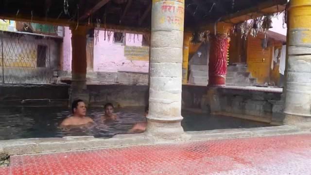 Aaj Aali Meri Sali Meri Gori Phanara – Kumaoni Video Song